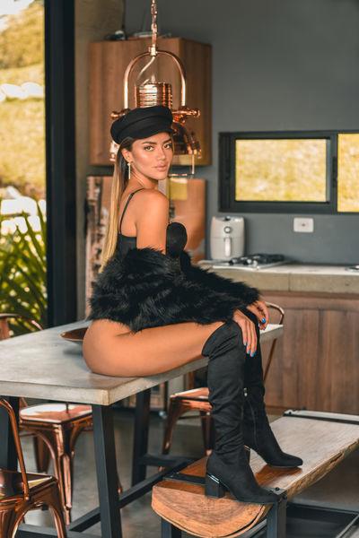 Adriana Melo - Escort Girl from Kansas City Kansas