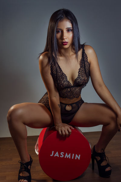 Hue Ramsey - Escort Girl from Memphis Tennessee