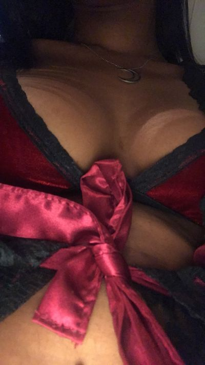 Ivy Moreno - Escort Girl from New Haven Connecticut
