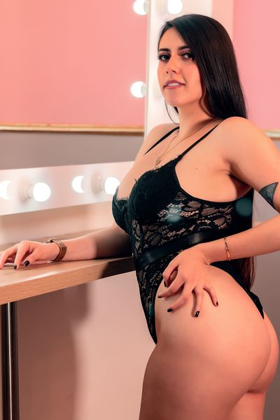 Alicia Westmore - Escort Girl from Naperville Illinois