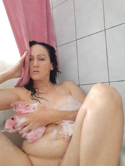 Holley Larkin - Escort Girl from Los Angeles California