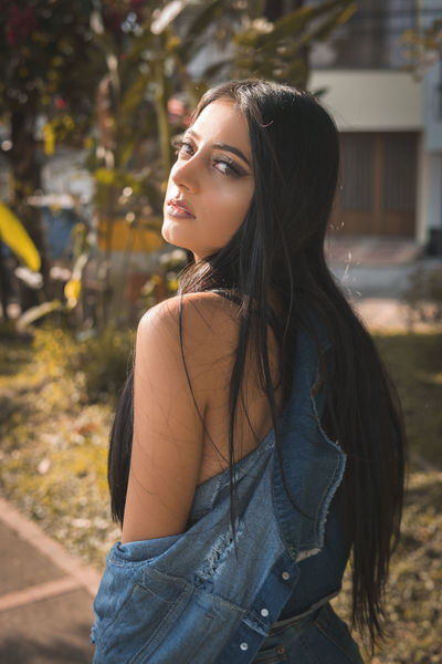 Erin Hadid - Escort Girl from Independence Missouri