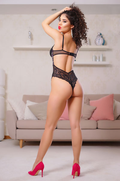Laura Lamb - Escort Girl from New Haven Connecticut
