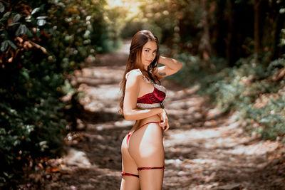 Luana Moon - Escort Girl from Carlsbad California