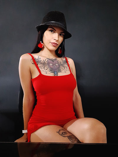 Olive Alley - Escort Girl from Los Angeles California