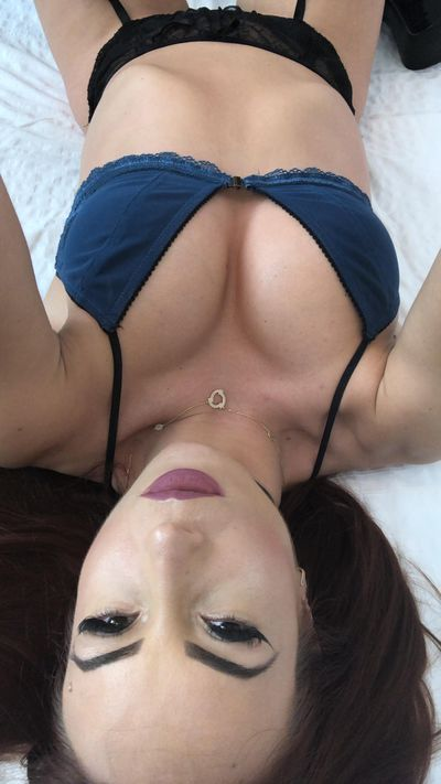 Carolyn Moore - Escort Girl from San Mateo California