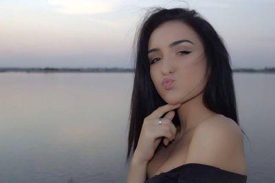 Freda Meza - Escort Girl from Long Beach California