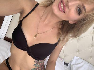 Monika Circe - Escort Girl from Naperville Illinois