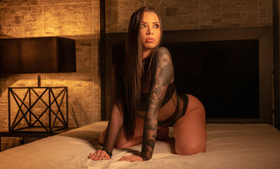 Laura Rubio - Escort Girl from Long Beach California