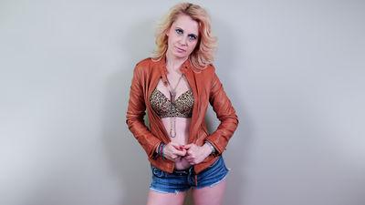 Danielle Alonso - Escort Girl from Naperville Illinois