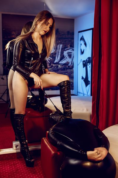 Trixie Vault - Escort Girl from Newark New Jersey