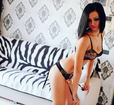 Yasmine Foxx - Escort Girl from Long Beach California