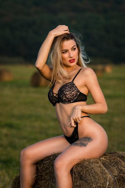 Maxine Bryan - Escort Girl from Miami Gardens Florida