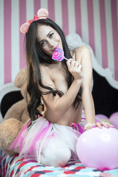 Andrea Roux - Escort Girl from Los Angeles California