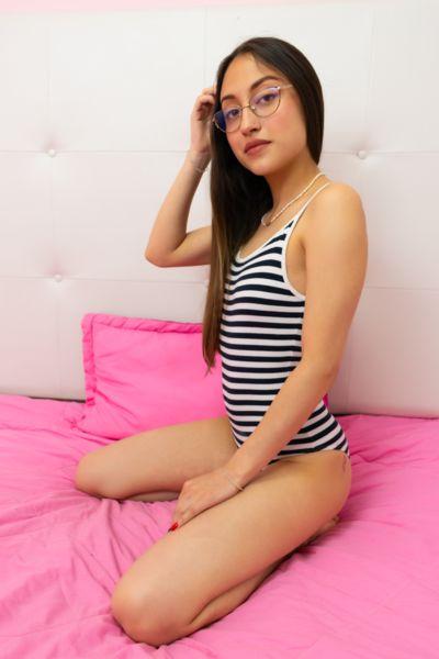 Luciana Sub - Escort Girl from Raleigh North Carolina