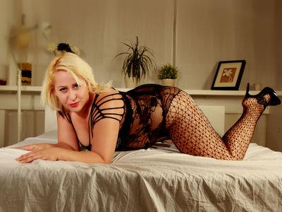 Blonde Teasing - Escort Girl from New Orleans Louisiana