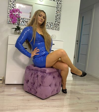Carla Blues - Escort Girl from Midland Texas
