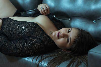 Cheila Gwen - Escort Girl from Long Beach California
