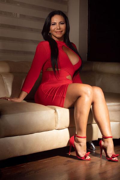 Carolyn Oh - Escort Girl from Thornton Colorado