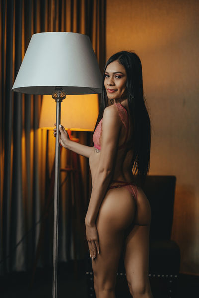 Emma Westmore - Escort Girl from Los Angeles California