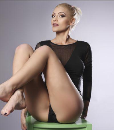 Errika Hott - Escort Girl from Midland Texas
