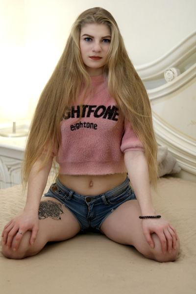 Jasmine Craig - Escort Girl from Naperville Illinois