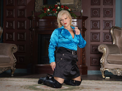 Madam Blond - Escort Girl from Newark New Jersey