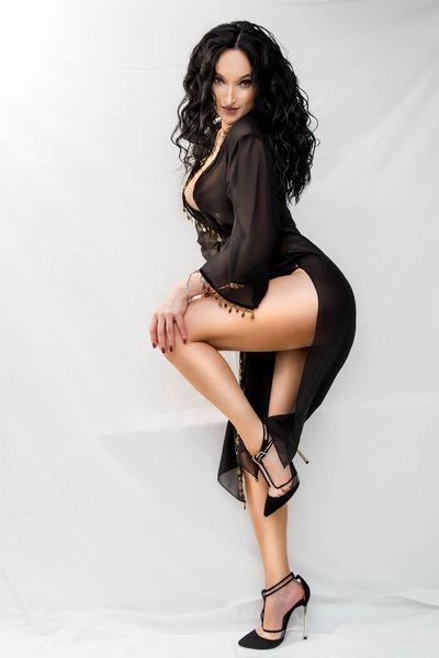 Nicole Keen - Escort Girl from Naperville Illinois