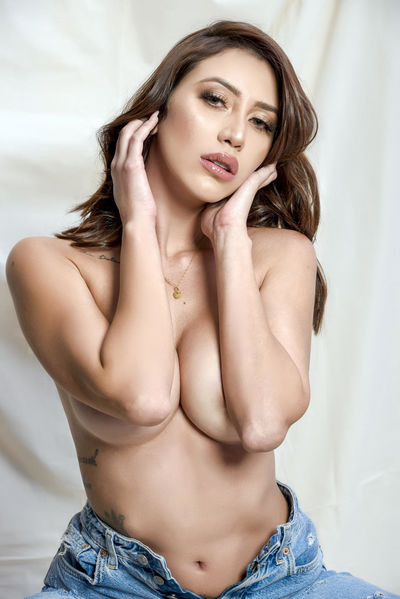 Evelyn Wong - Escort Girl from Denton Texas