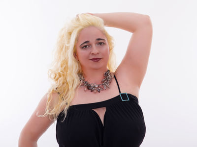 Tara Hughes - Escort Girl from Newport News Virginia