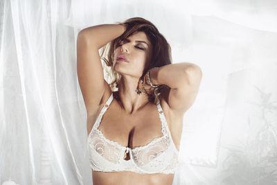 Zafiro Hard - Escort Girl from Lexington Kentucky